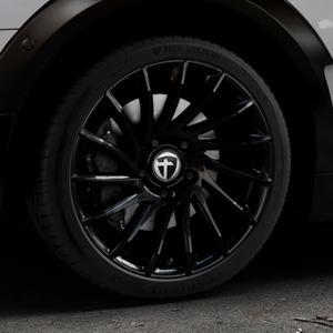 TOMASON TN16 Black painted Felge mit Reifen schwarz in 18Zoll Winterfelge Alufelge auf silbernem Mini F54 Typ UKL-L (Clubman) FMK ⬇️ mit 15mm Tieferlegung ⬇️ Industriehalle 1 Thumbnail