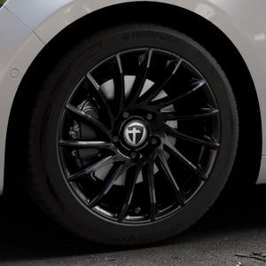 TOMASON TN16 Black painted Felge mit Reifen schwarz in 18Zoll Winterfelge Alufelge auf silbernem Renault Talisman Typ RFD ⬇️ mit 15mm Tieferlegung ⬇️ Industriehalle 1 Thumbnail