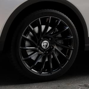 TOMASON TN16 Black painted Felge mit Reifen schwarz in 18Zoll Winterfelge Alufelge auf silbernem Seat Arona Typ KJ ⬇️ mit 15mm Tieferlegung ⬇️ Industriehalle 1 Thumbnail