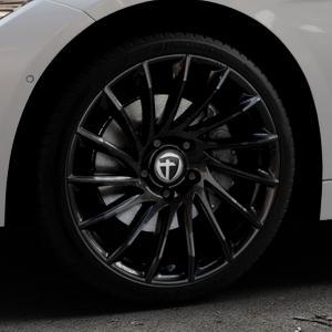 TOMASON TN16 Black painted Felge mit Reifen schwarz in 19Zoll Winterfelge Alufelge auf silbernem BMW 320i Typ F30 (Limousine) 328i 335i 320d 318d 316d 316i 330d xDrive EffDyn Edition 325d 335d ActiveHybrid 318i ⬇️ mit 15mm Tieferlegung ⬇️ Industriehalle 1 Thumbnail