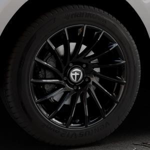 TOMASON TN16 Black painted Felge mit Reifen schwarz in 19Zoll Winterfelge Alufelge auf silbernem Jaguar F-Pace Typ DC ⬇️ mit 15mm Tieferlegung ⬇️ Industriehalle 1 Thumbnail