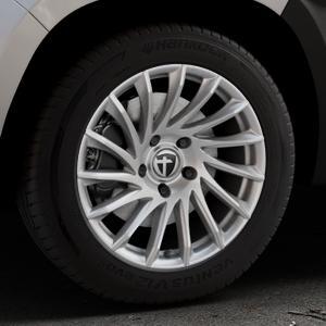 TOMASON TN16 Bright Silver Felge mit Reifen silber in 17Zoll Winterfelge Alufelge auf silbernem Dacia Duster Typ SR ⬇️ mit 15mm Tieferlegung ⬇️ Industriehalle 1 Thumbnail