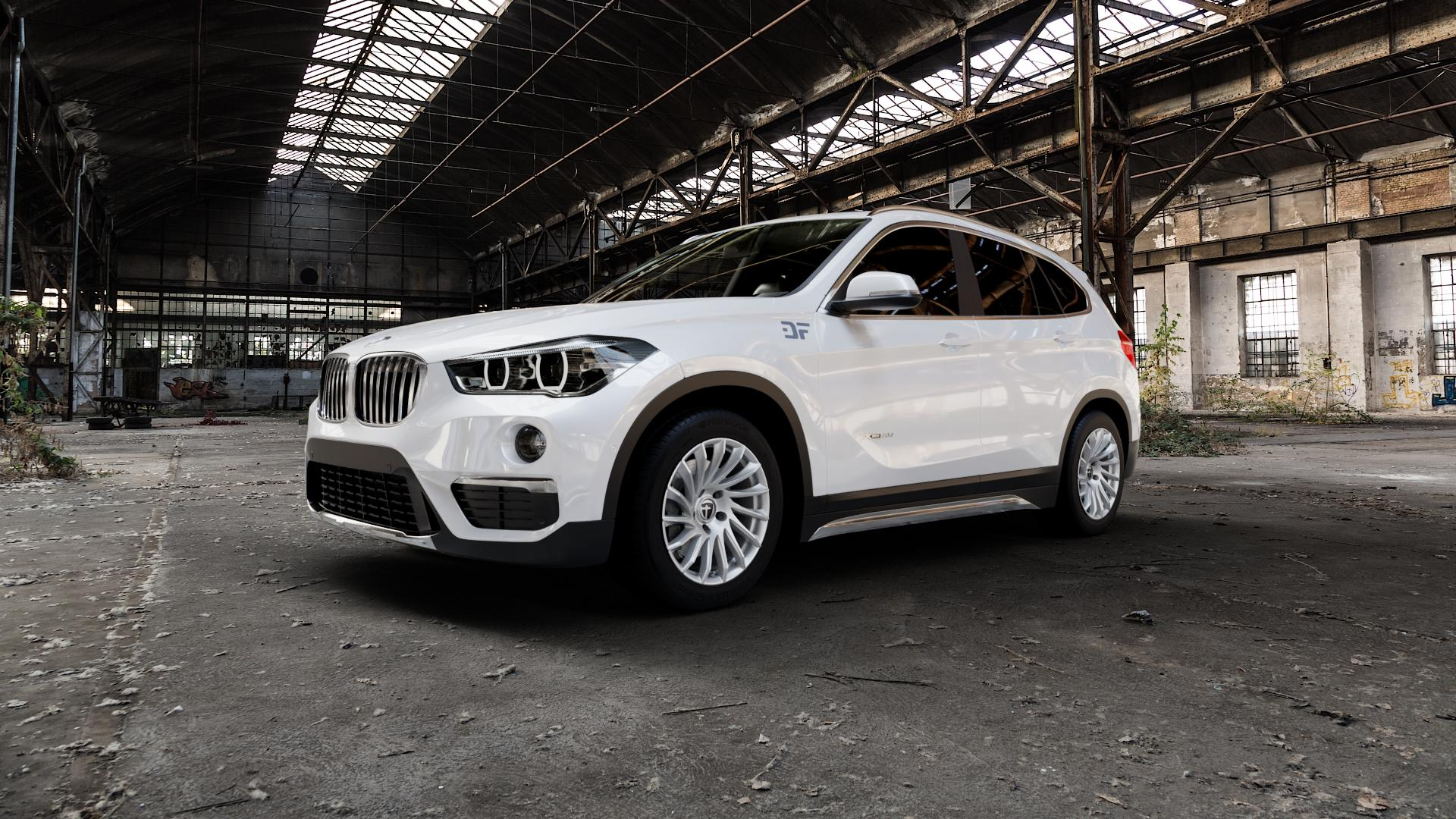 TOMASON TN16 Bright Silver Felge mit Reifen silber in 17Zoll Winterfelge Alufelge auf weissem BMW X1 Typ F48 (UKL-L) (F1X) ⬇️ mit 15mm Tieferlegung ⬇️ Industriehalle 1 Camera_000