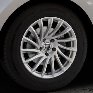 TOMASON TN16 Bright Silver Felge mit Reifen silber in 18Zoll Winterfelge Alufelge auf silbernem Land Rover Range Velar Typ LY ⬇️ mit 15mm Tieferlegung ⬇️ Industriehalle 1 Thumbnail
