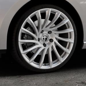 TOMASON TN16 Bright Silver Felge mit Reifen silber in 19Zoll Winterfelge Alufelge auf silbernem Seat Leon Typ 5F ST Facelift ⬇️ mit 15mm Tieferlegung ⬇️ Industriehalle 1 Thumbnail